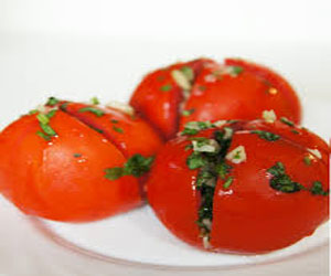 prigotovlenie-malosolnyx-pomidor
